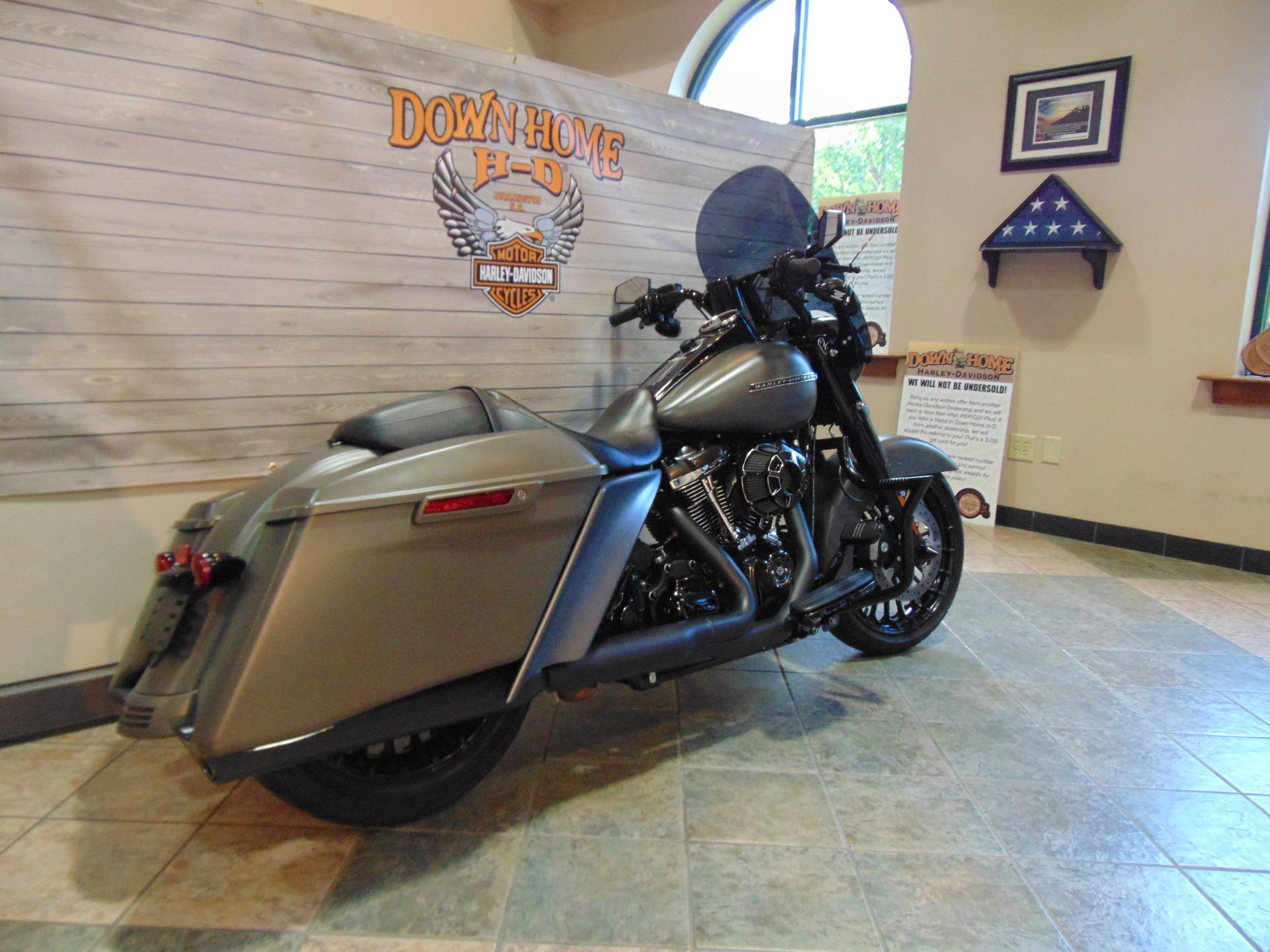 2018 Harley-Davidson Road King® Special in Burlington, North Carolina - Photo 2