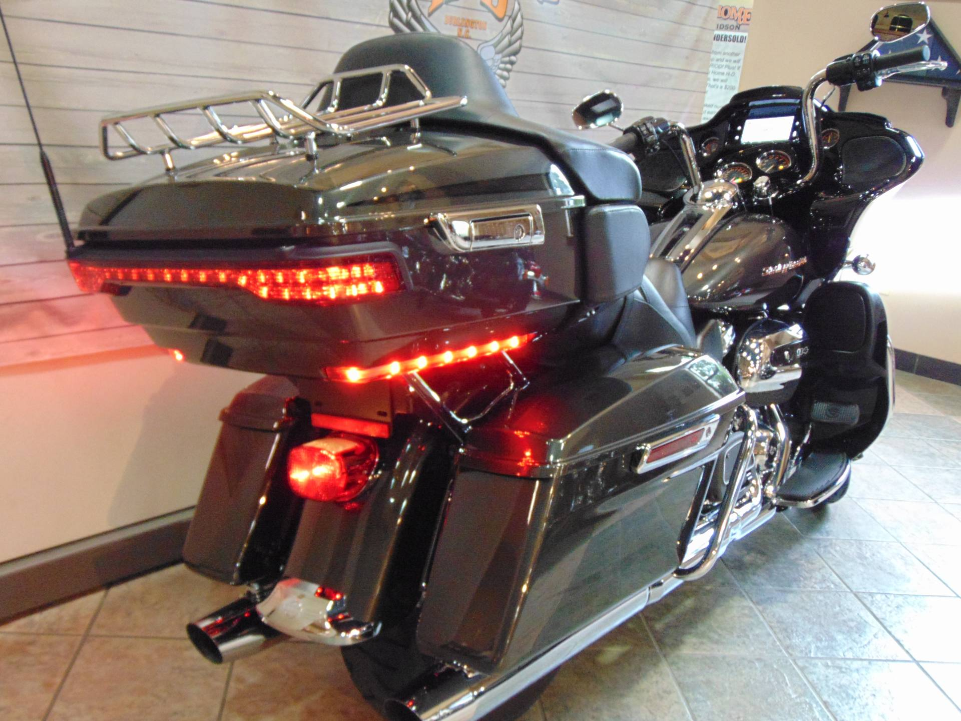 2019 Harley-Davidson Road Glide® Ultra in Burlington, North Carolina - Photo 6