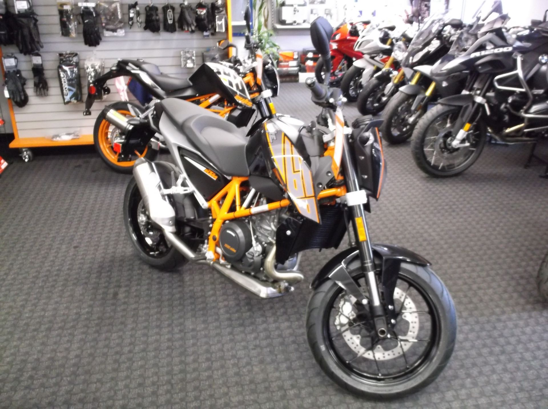2014 KTM 690 Duke ABS in Sioux City, Iowa