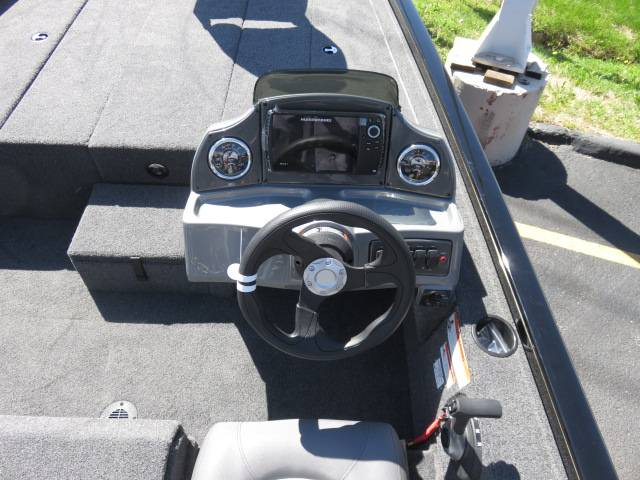 2019 Crestliner VT 18 in Saint Peters, Missouri - Photo 11