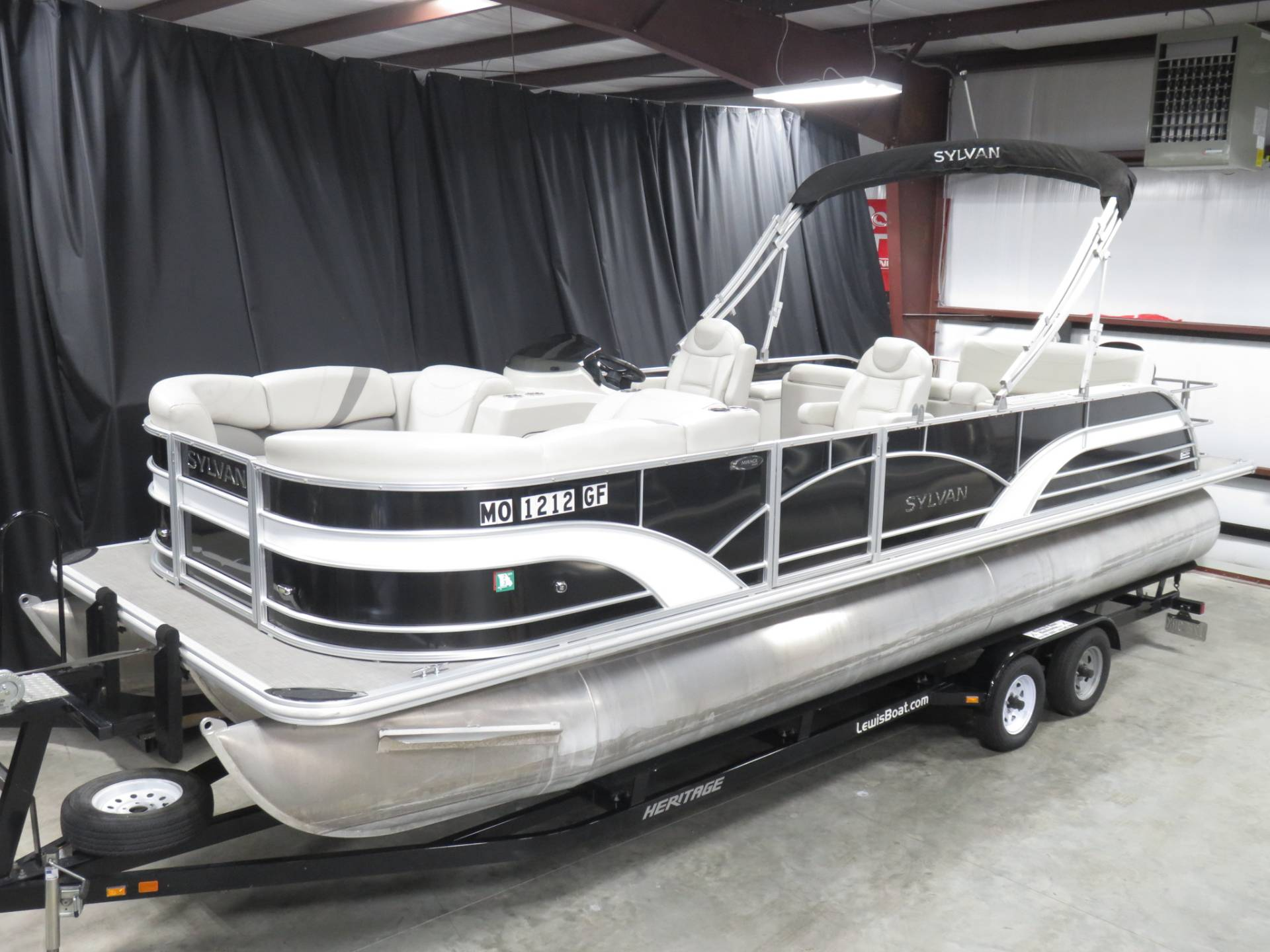 2017 Sylvan MIRAGE 8524 DLZ LES in Saint Peters, Missouri - Photo 1