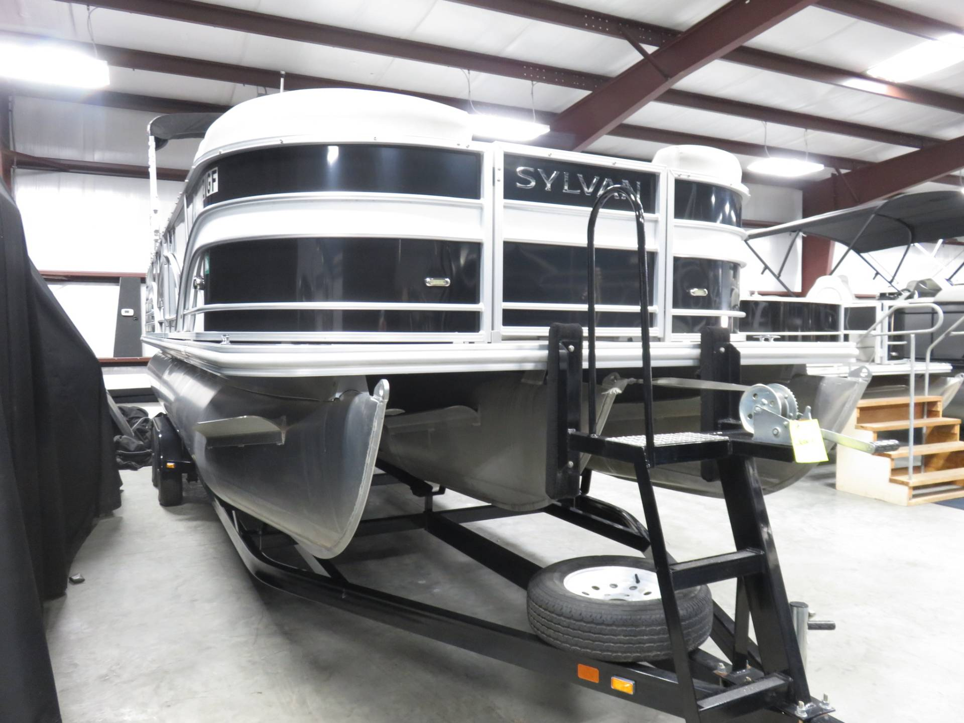 2017 Sylvan MIRAGE 8524 DLZ LES in Saint Peters, Missouri - Photo 8
