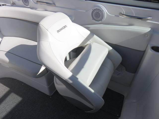 2014 Rinker Captiva 246 BR in Saint Peters, Missouri - Photo 38