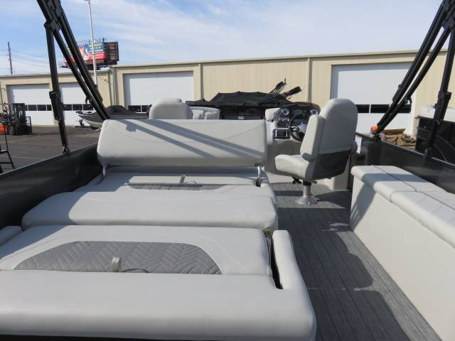 2019 Sylvan MIRAGE 8522 DLZ LES in Saint Peters, Missouri - Photo 39