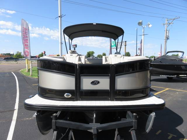 2019 Barletta L-CLASS L25UC in Saint Peters, Missouri - Photo 4