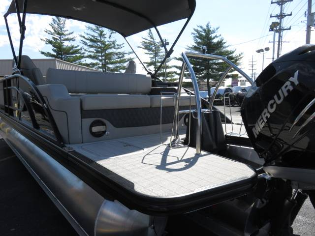 2019 Barletta L-CLASS L25UC in Saint Peters, Missouri - Photo 8