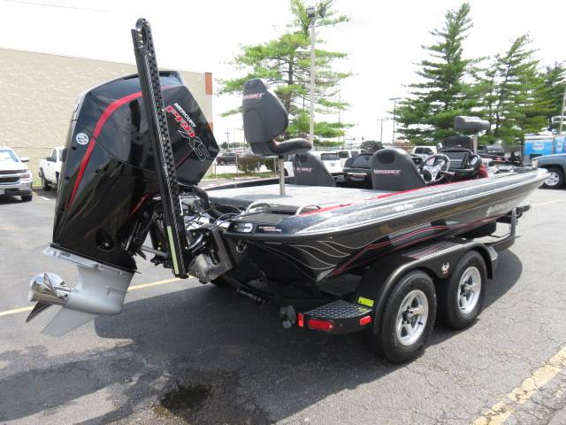 2019 Phoenix 819 Pro XP in Saint Peters, Missouri