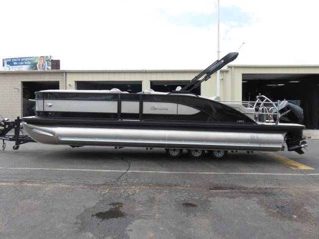 2019 Barletta L-CLASS L25U in Saint Peters, Missouri - Photo 3