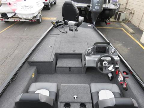 2019 Crestliner VT 17 in Saint Peters, Missouri - Photo 9