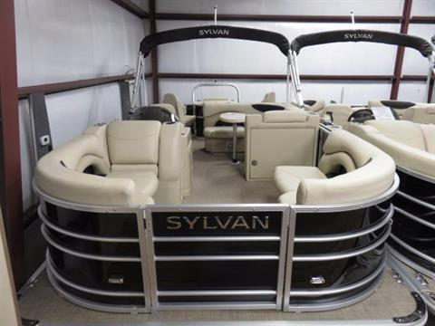 2017 Sylvan MIRAGE 8520 CNF in Saint Peters, Missouri