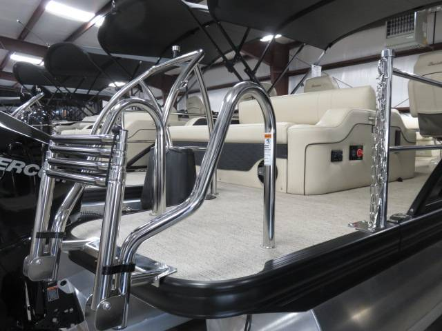 2019 Barletta E-CLASS E22UC in Saint Peters, Missouri - Photo 10