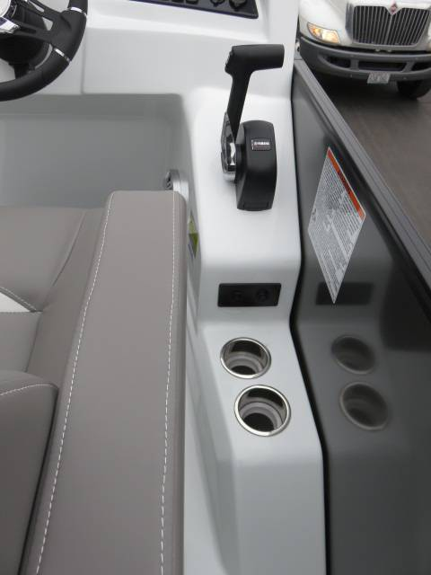 2019 Sylvan S SERIES S5 LS DC in Saint Peters, Missouri - Photo 19
