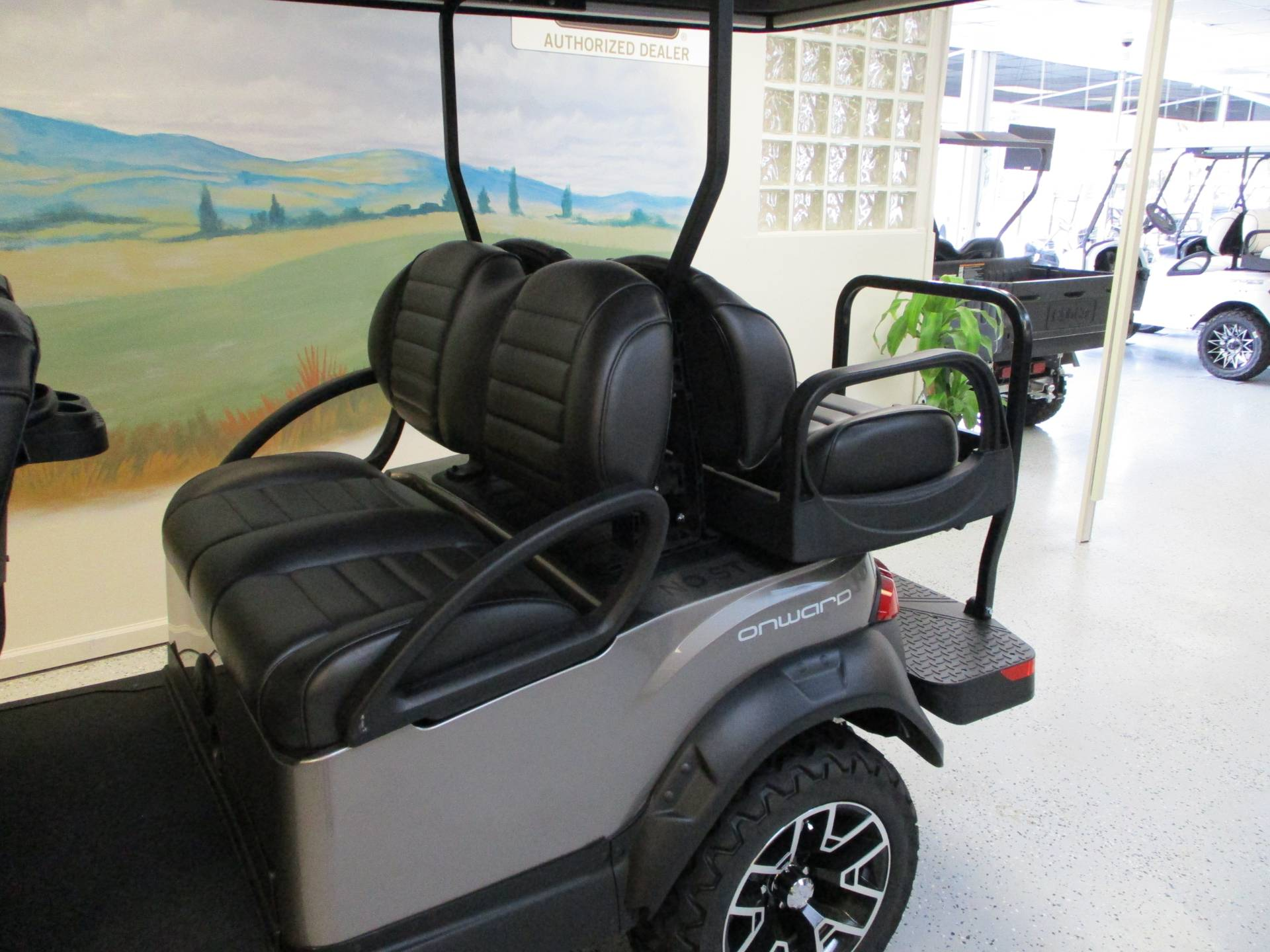 2020 Club Car Onward 6 Passenger Electric Lifted in Canton, Georgia - Photo 6