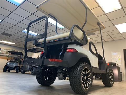 2021 Club Car V4L Gas in Canton, Georgia - Photo 17