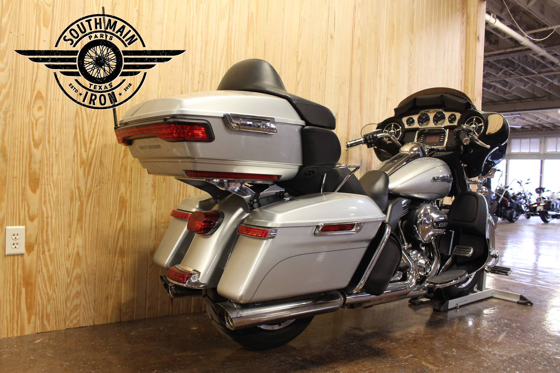 2015 Harley-Davidson Electra Glide® Ultra Classic® Low in Paris, Texas - Photo 6