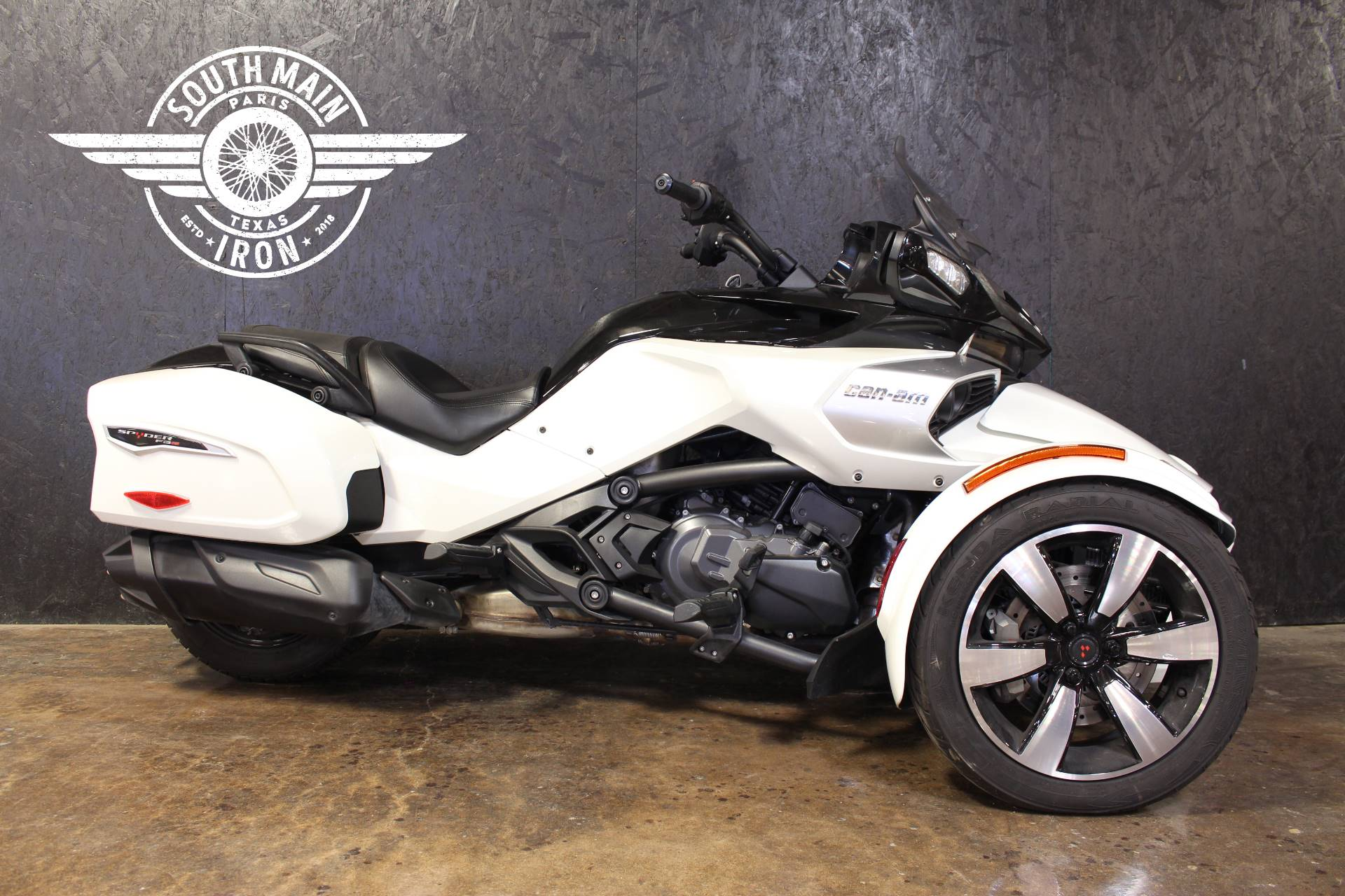 2018 Can-Am Spyder F3-T in Paris, Texas - Photo 1