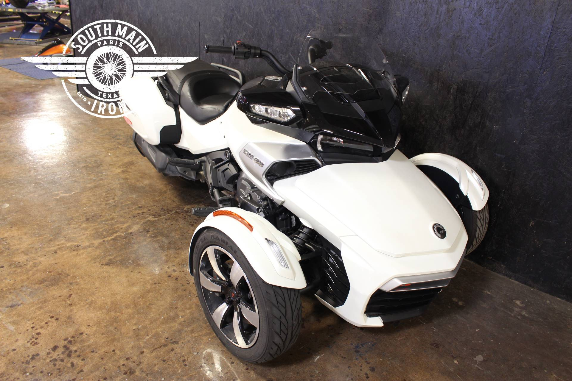 2018 Can-Am Spyder F3-T in Paris, Texas - Photo 2