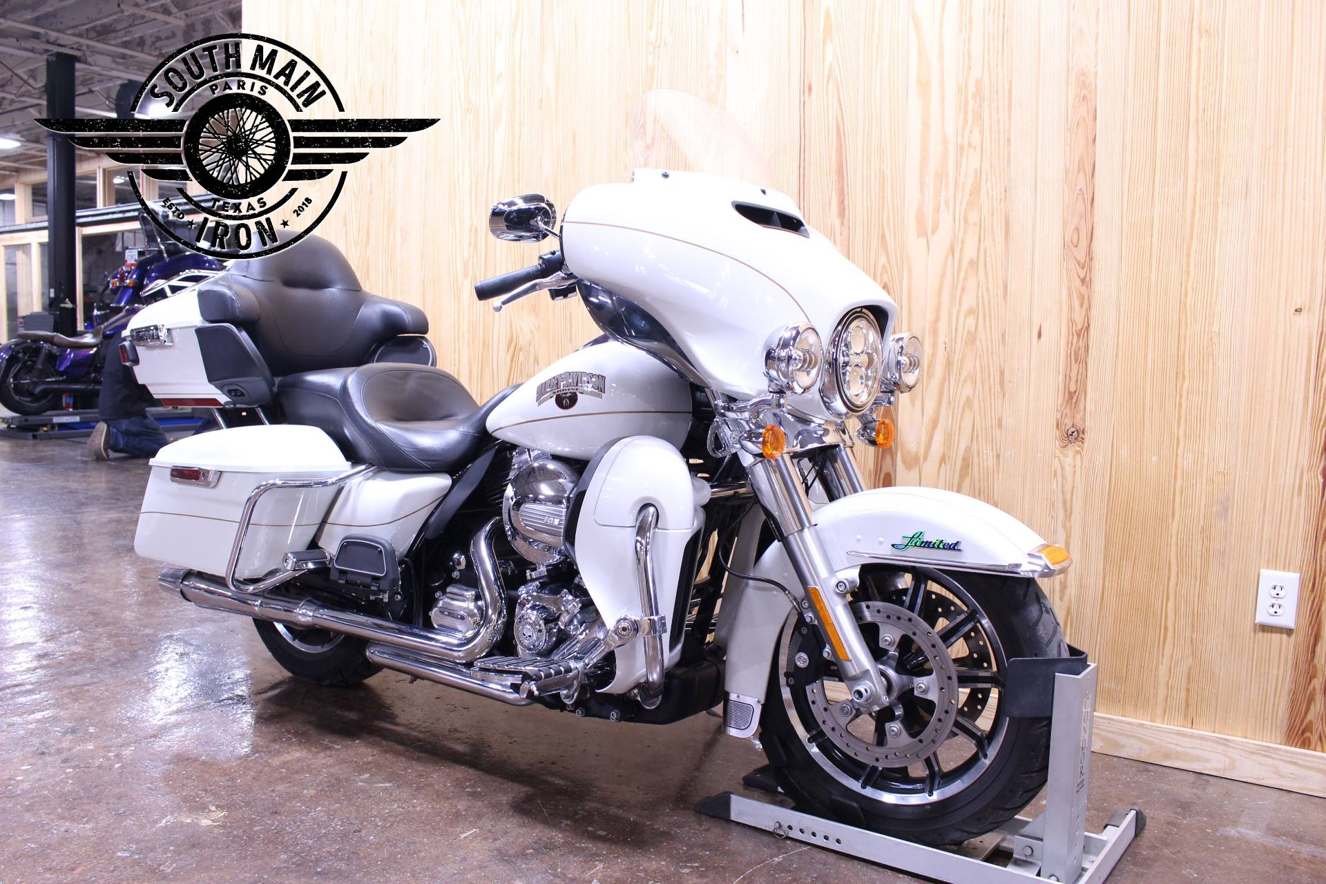 2014 Harley-Davidson Ultra Limited in Paris, Texas - Photo 2