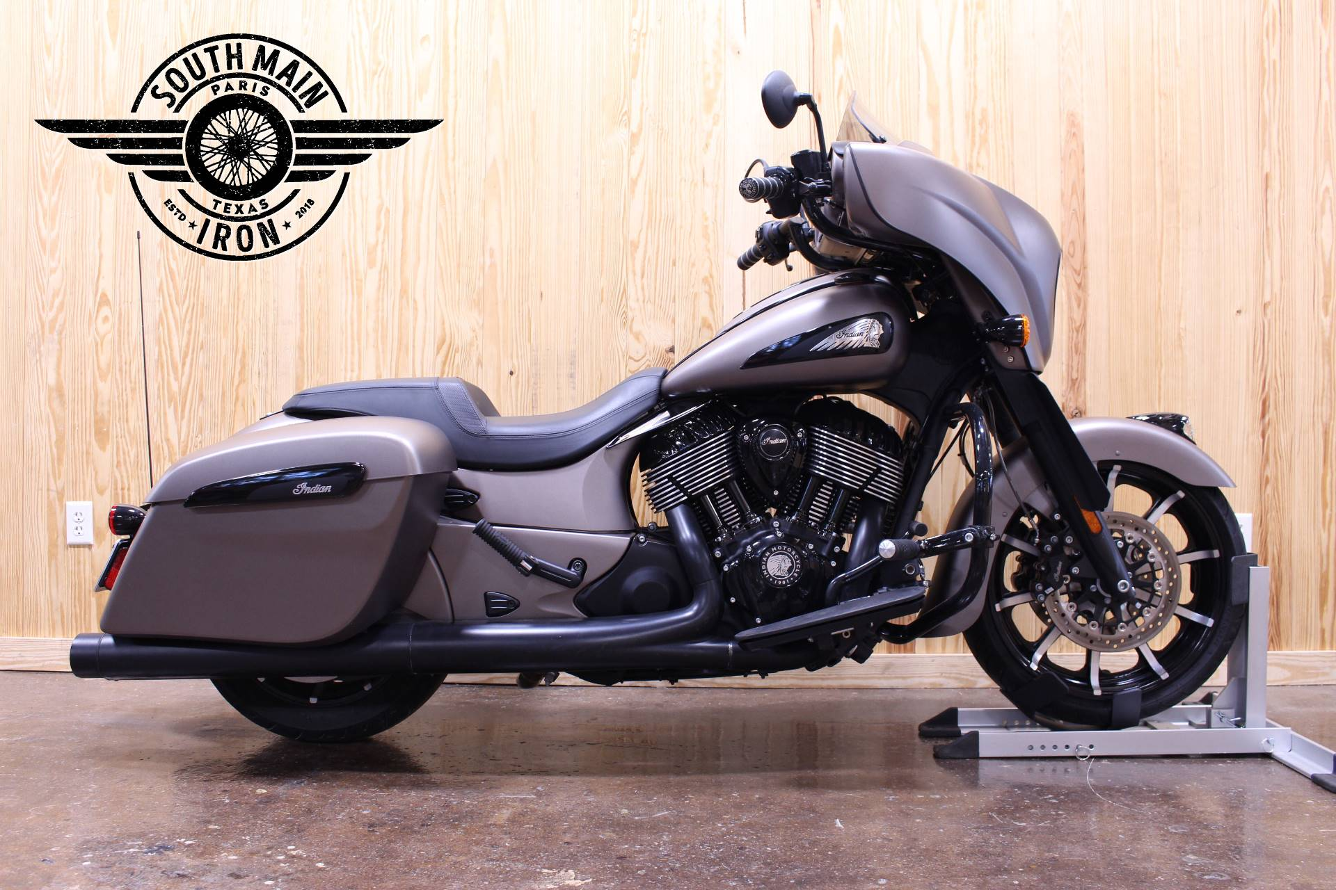 2019 Indian Chieftain® Dark Horse® ABS in Paris, Texas - Photo 1