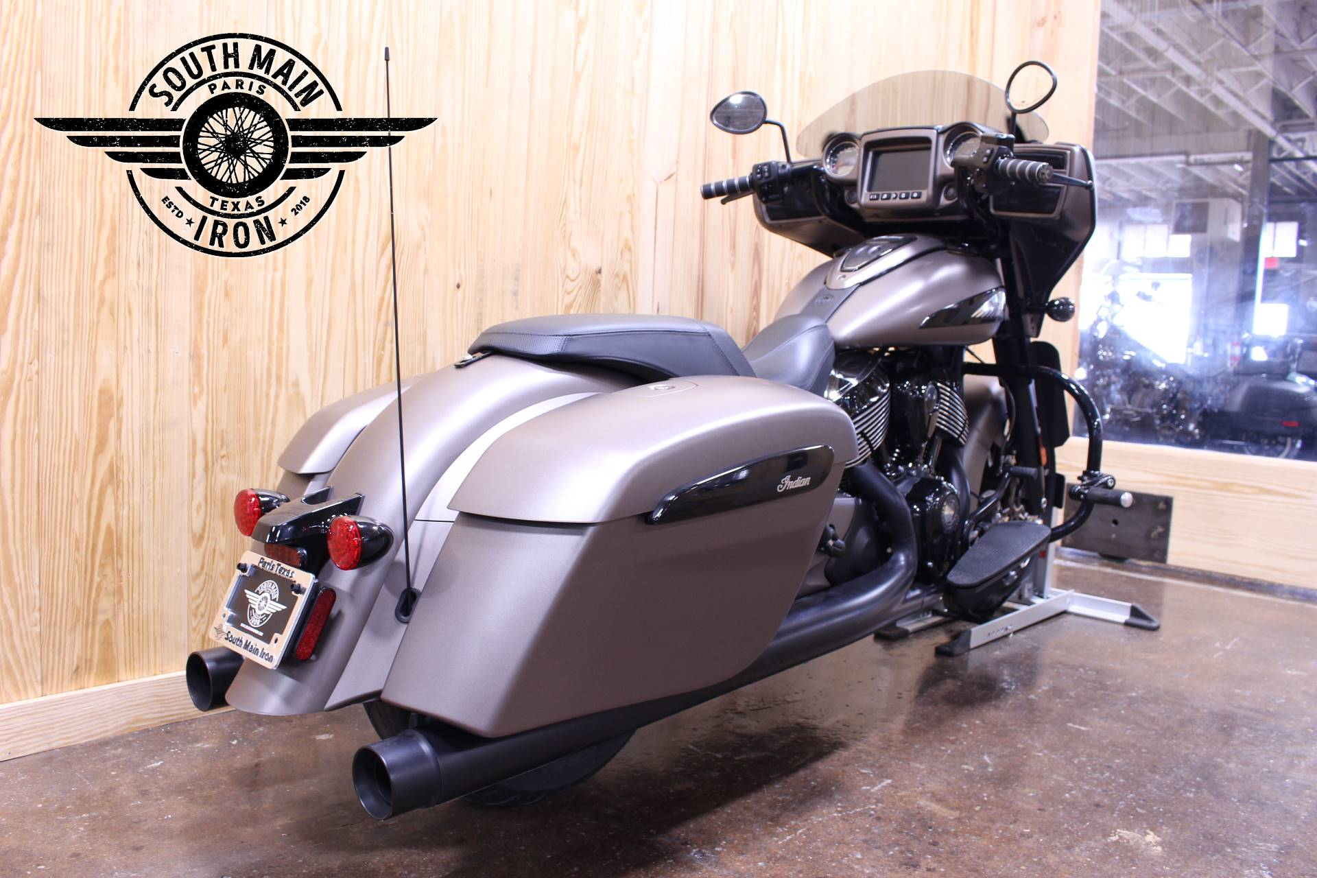 2019 Indian Chieftain® Dark Horse® ABS in Paris, Texas - Photo 5