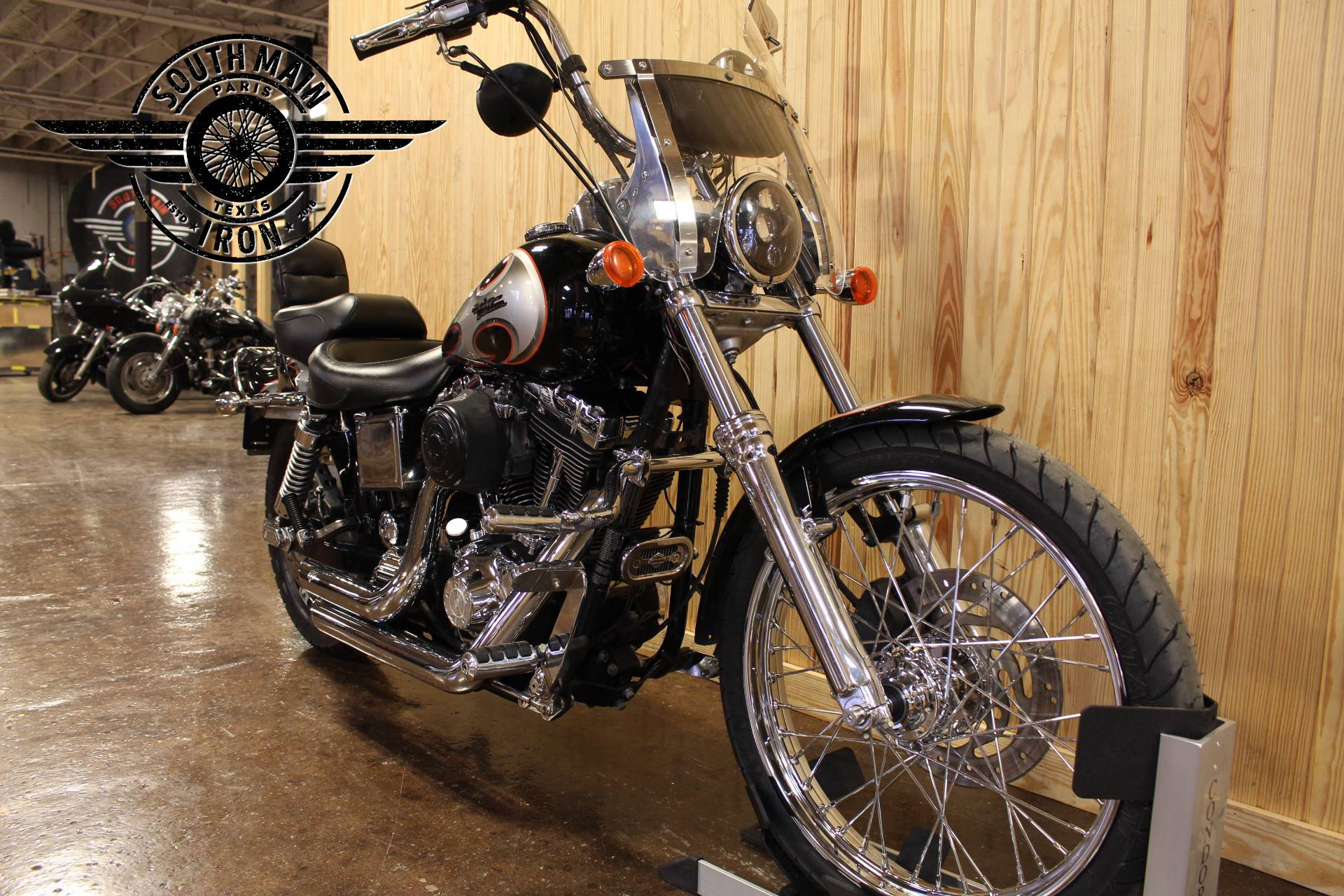 2002 Harley-Davidson FXDWG Dyna Wide Glide® in Paris, Texas - Photo 4