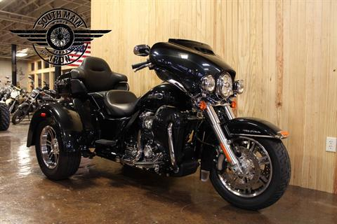 2018 Harley-Davidson Tri Glide® Ultra in Paris, Texas - Photo 2