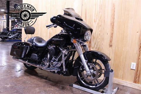2018 Harley-Davidson Street Glide® in Paris, Texas - Photo 2