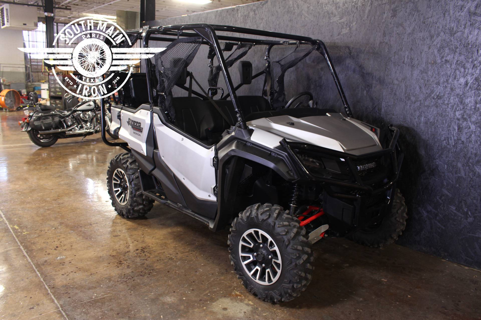 2019 Honda Pioneer 1000-5 LE in Paris, Texas - Photo 2