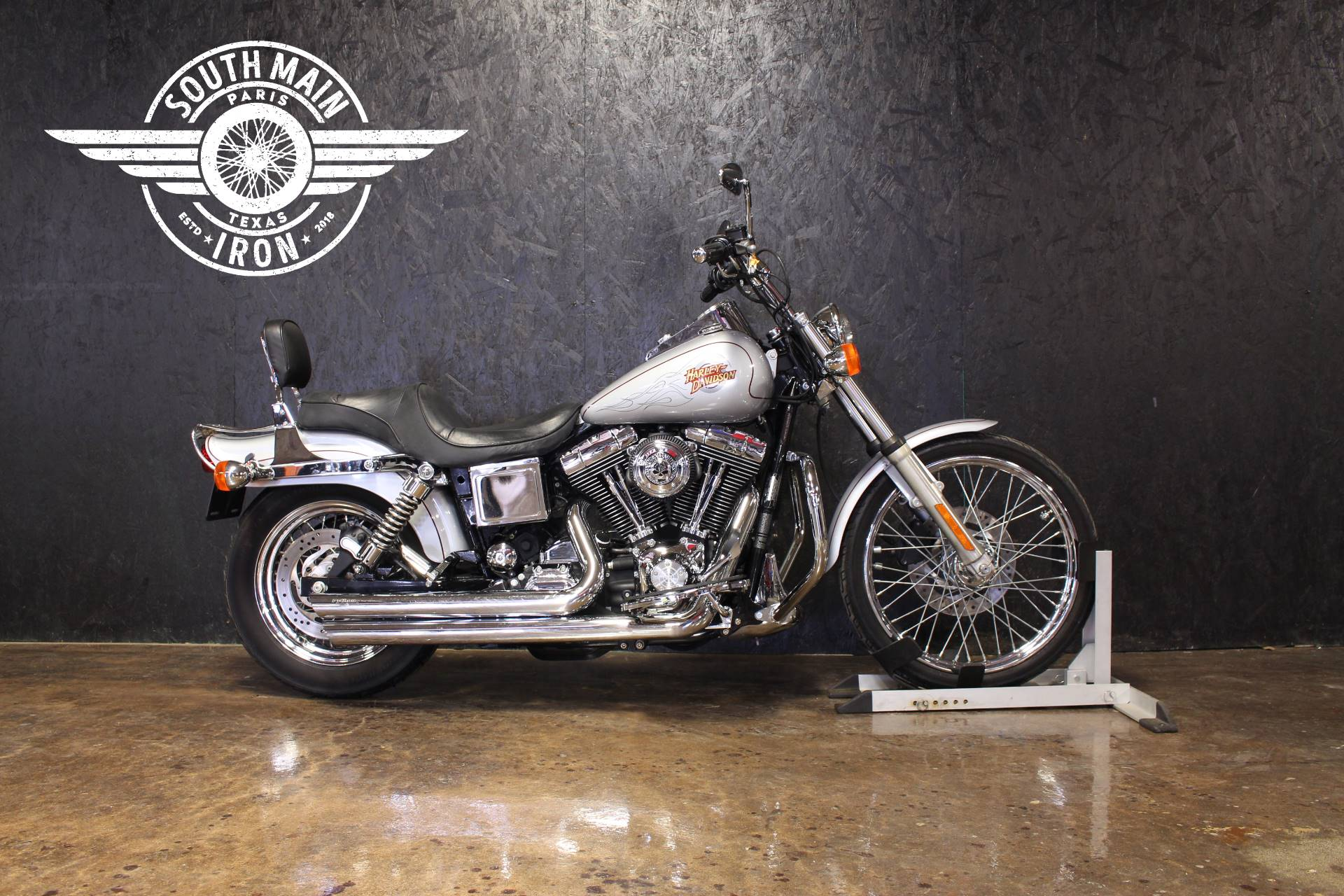 2001 Harley-Davidson FXDWG in Paris, Texas - Photo 1