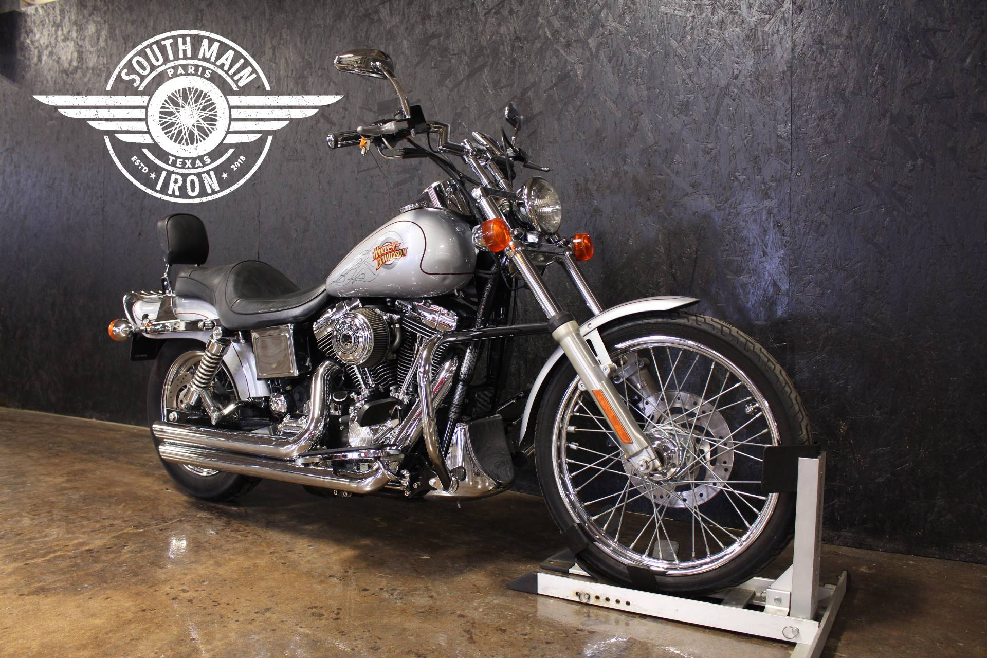 2001 Harley-Davidson FXDWG in Paris, Texas - Photo 2