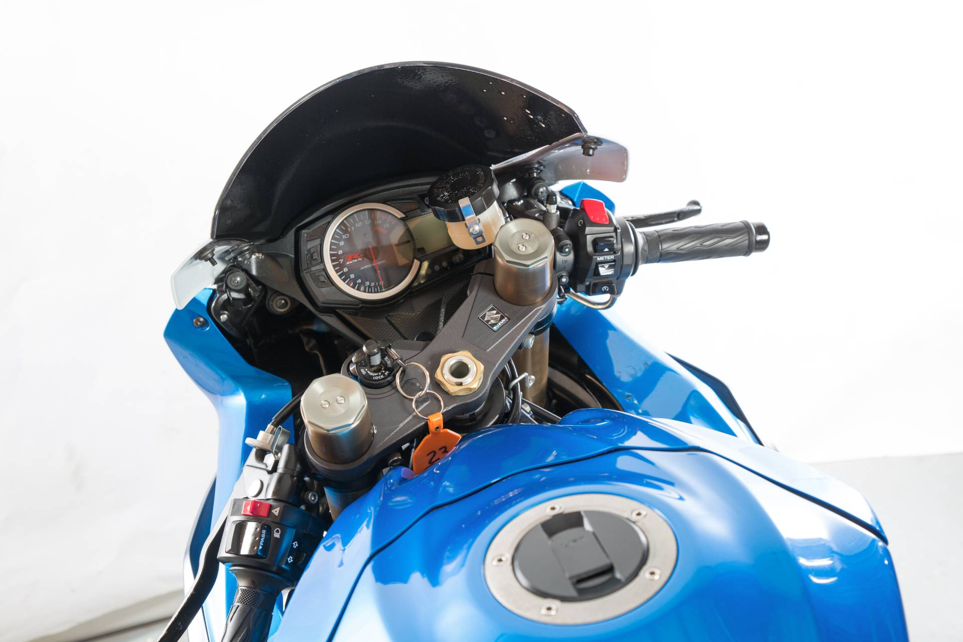 2011 Suzuki GSX-R1000 in Lexington, North Carolina - Photo 2