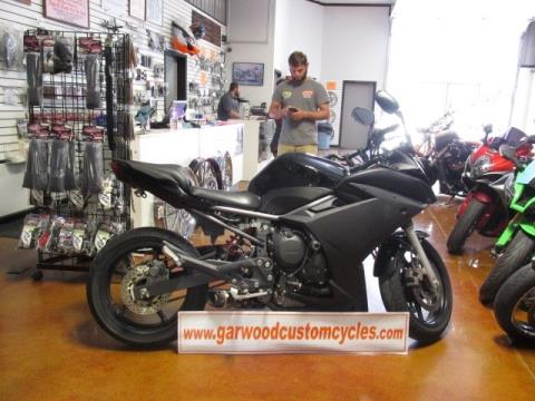 2011 Yamaha FZ-600 in Lexington, North Carolina