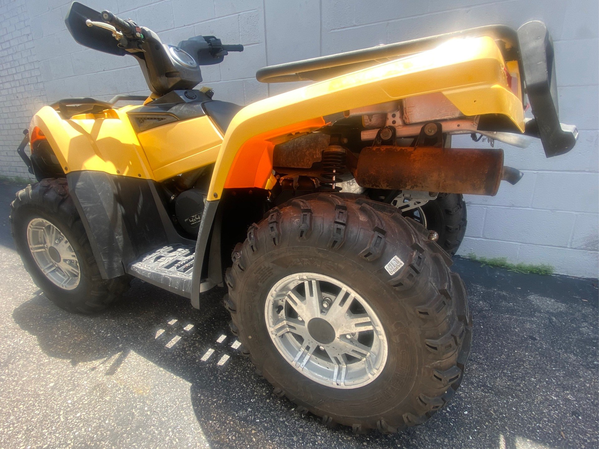 2014 Can-Am Outlander™ XT™ 400 in Jacksonville, Florida - Photo 2