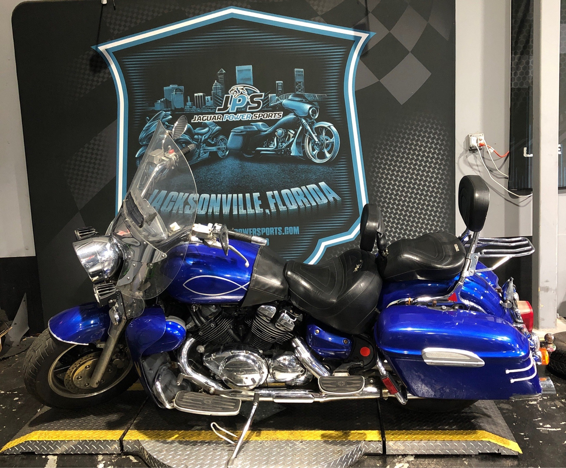 2005 Yamaha Royal Star® Tour Deluxe in Jacksonville, Florida - Photo 4