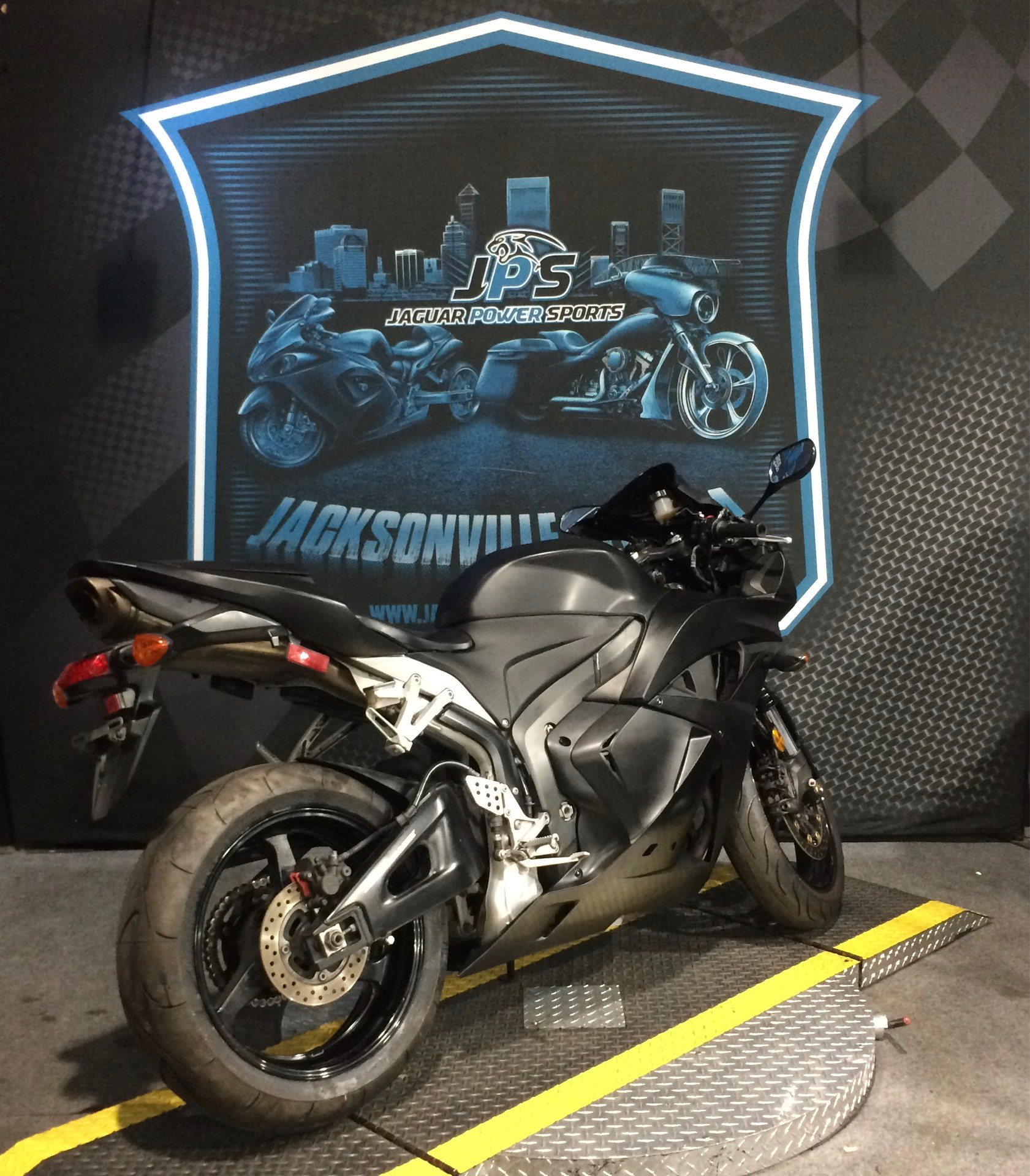 2009 Honda CBR®600RR in Jacksonville, Florida - Photo 2