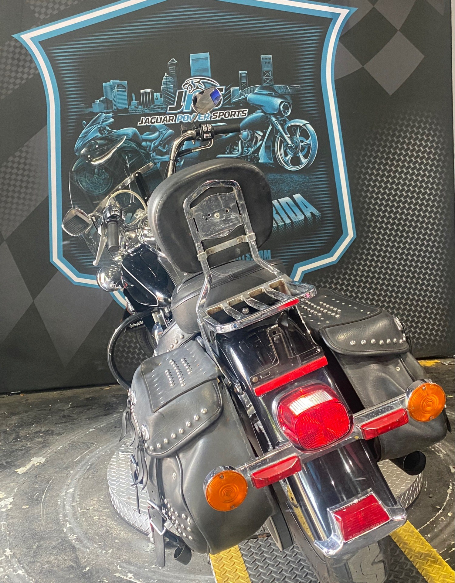 2014 Harley-Davidson Heritage Softail® Classic in Jacksonville, Florida - Photo 8