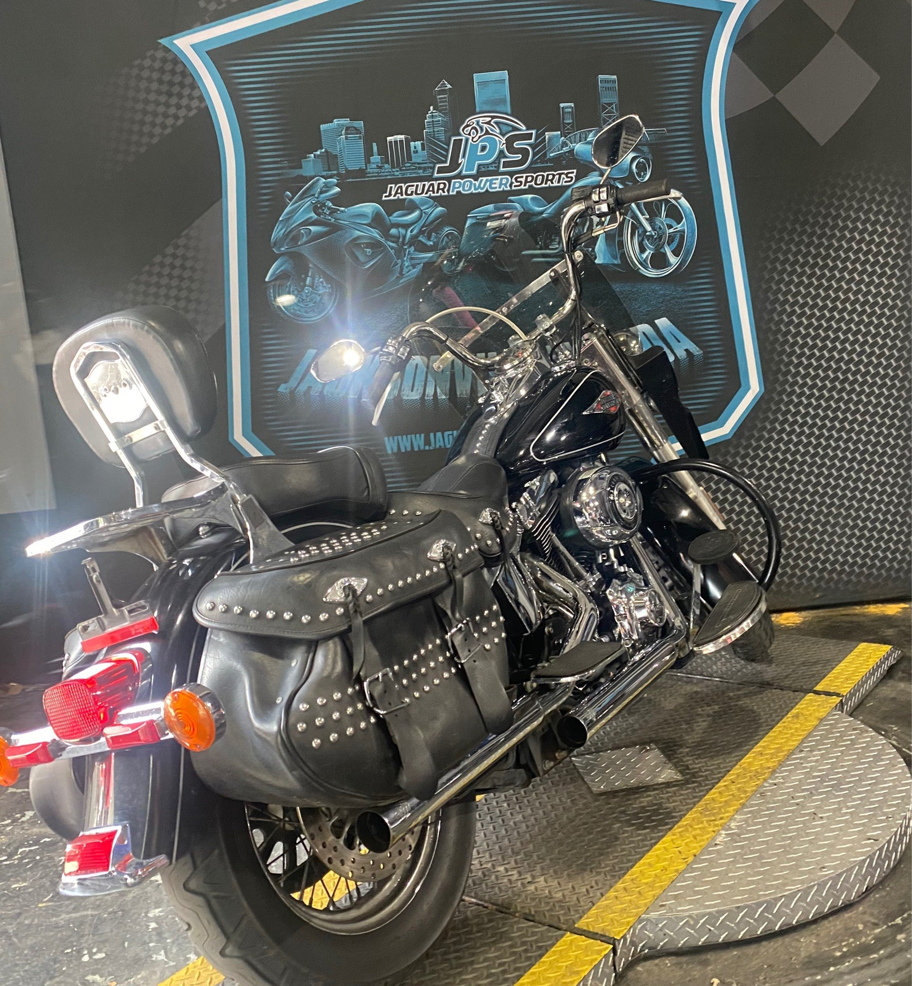 2014 Harley-Davidson Heritage Softail® Classic in Jacksonville, Florida - Photo 9