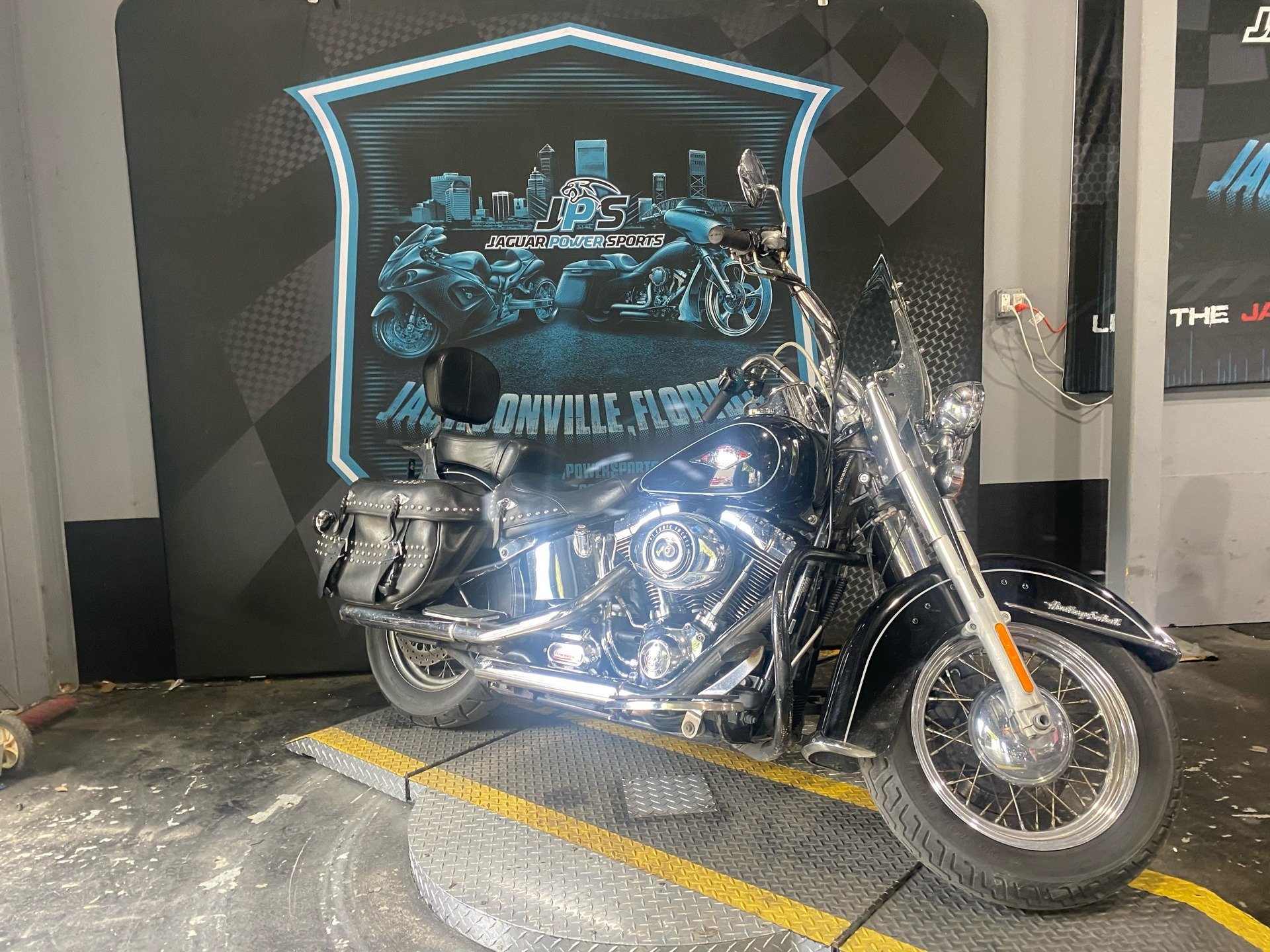 2014 Harley-Davidson Heritage Softail® Classic in Jacksonville, Florida - Photo 10