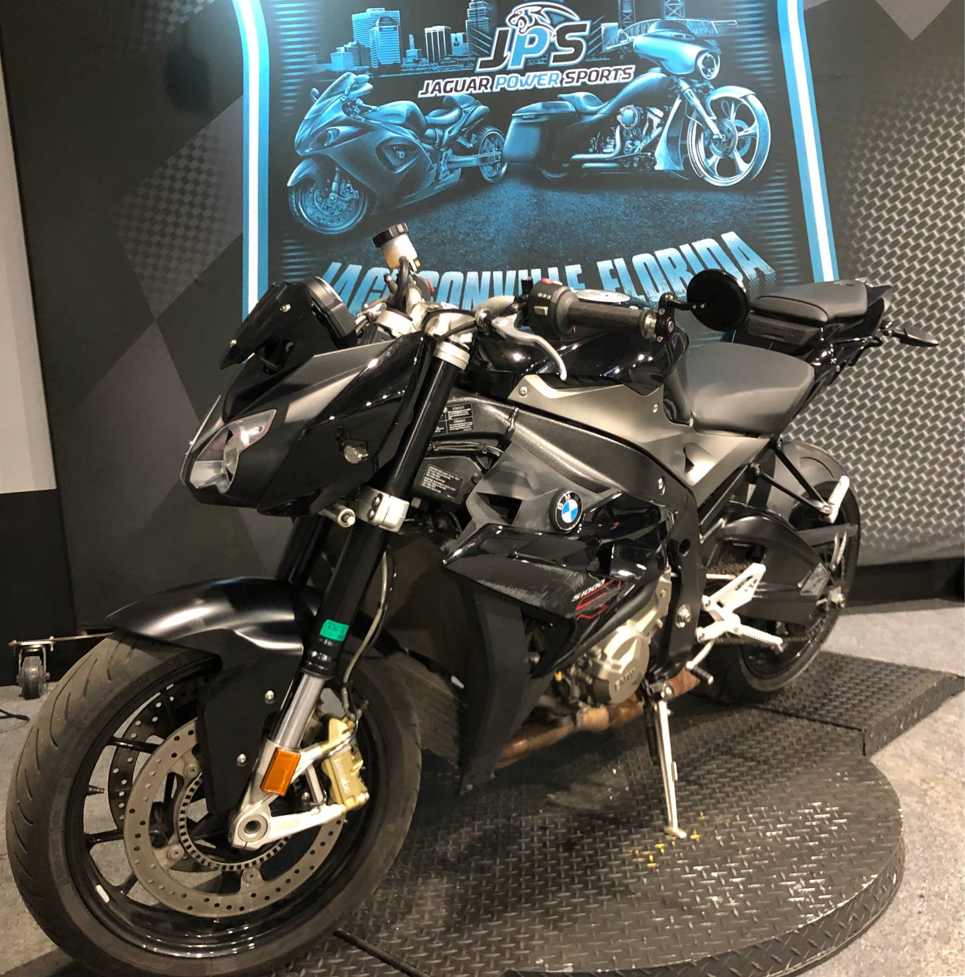 2015 BMW S 1000 R in Jacksonville, Florida - Photo 2