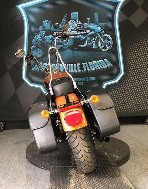 2015 Harley-Davidson 1200 Custom 5