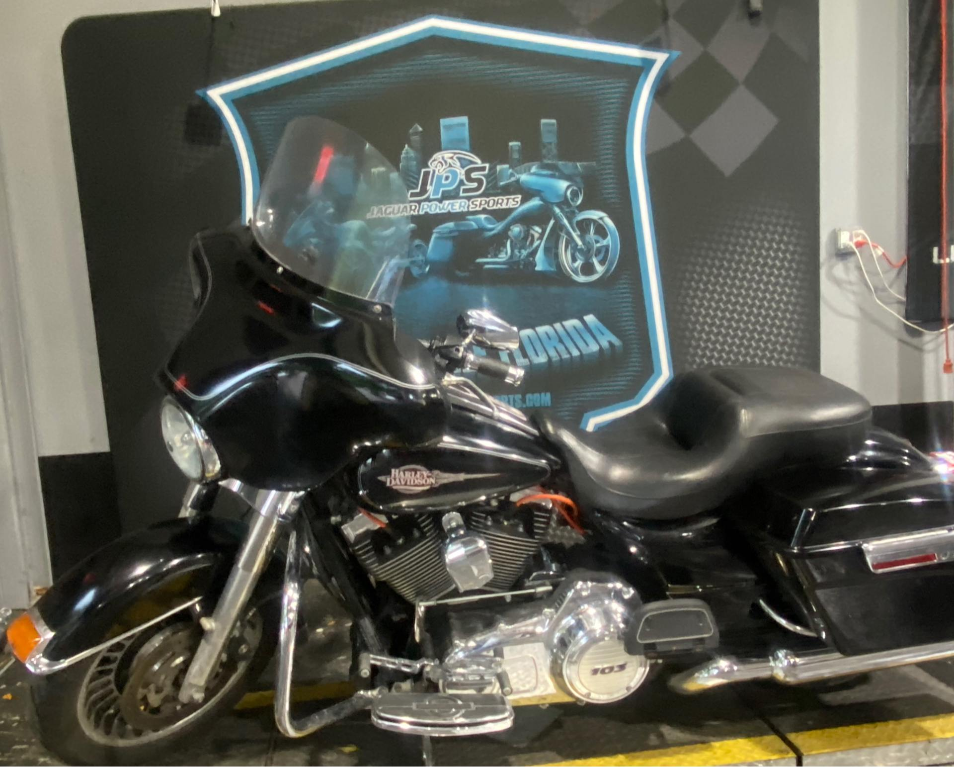 2013 Harley-Davidson Electra Glide® Classic in Jacksonville, Florida - Photo 2