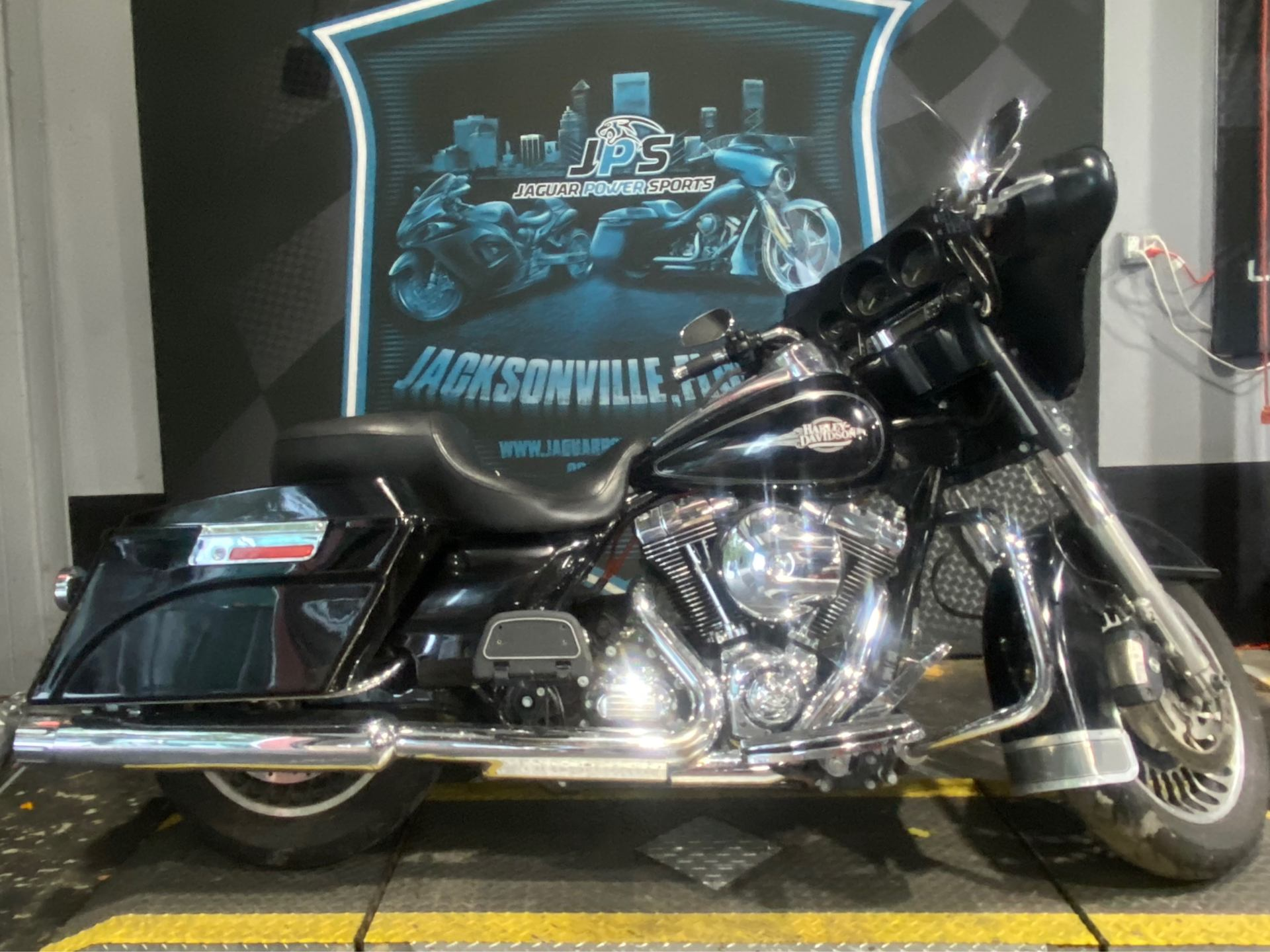 2013 Harley-Davidson Electra Glide® Classic in Jacksonville, Florida - Photo 6