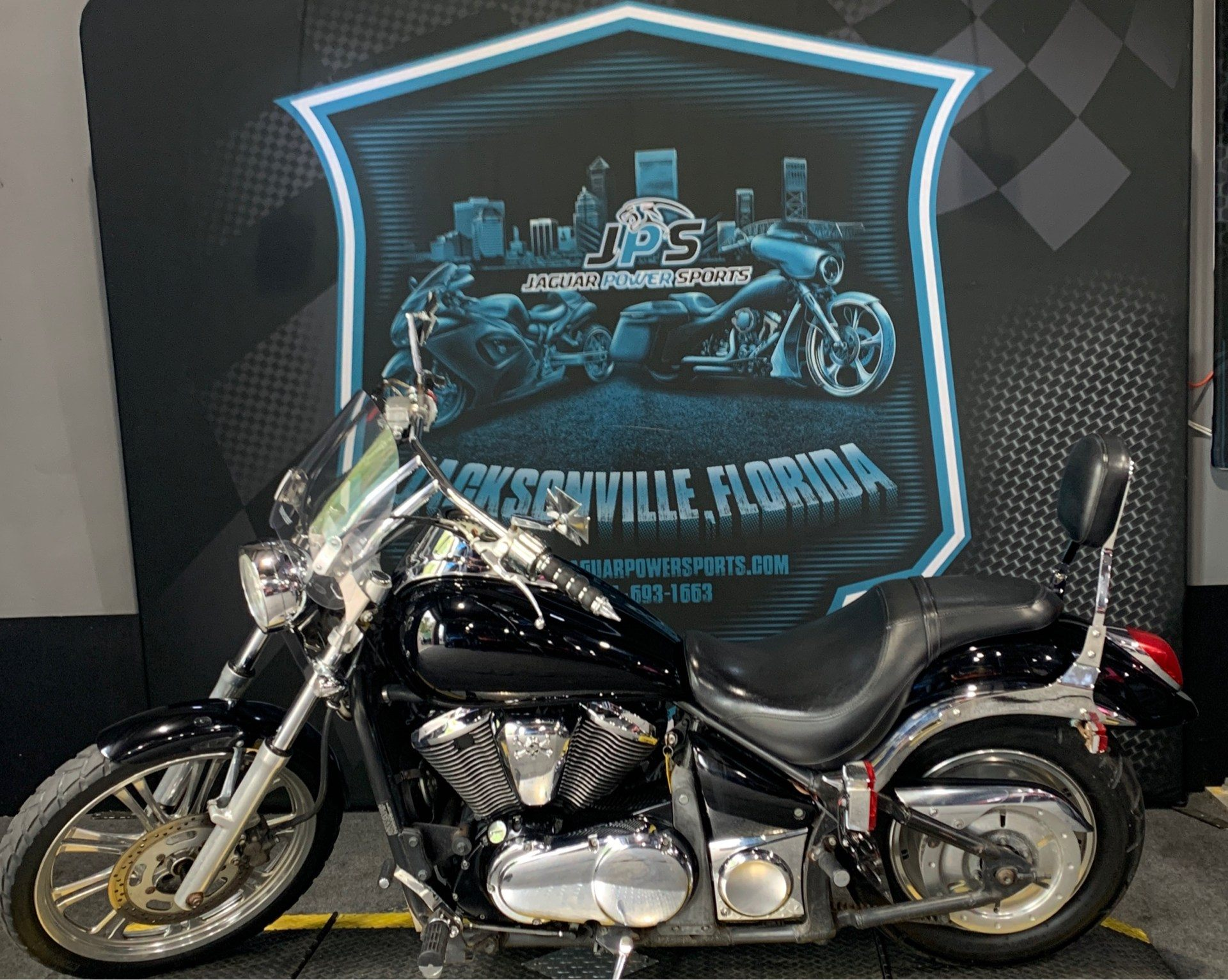 2007 Kawasaki Vulcan® 900 Custom in Jacksonville, Florida - Photo 5