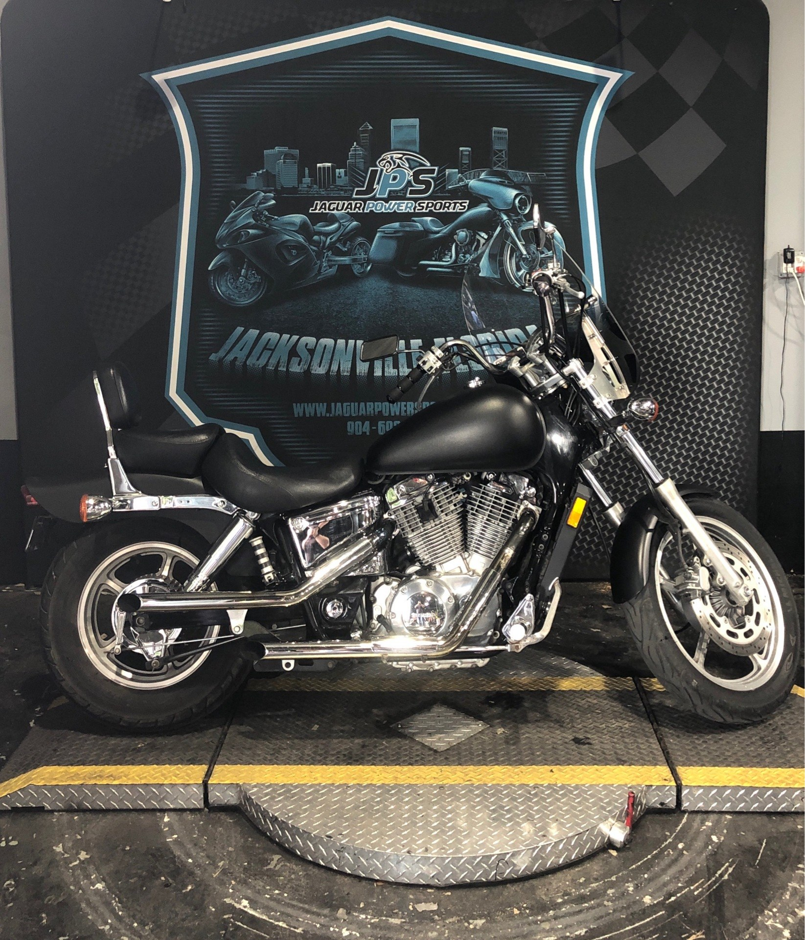 2004 Honda Shadow Spirit in Jacksonville, Florida - Photo 1