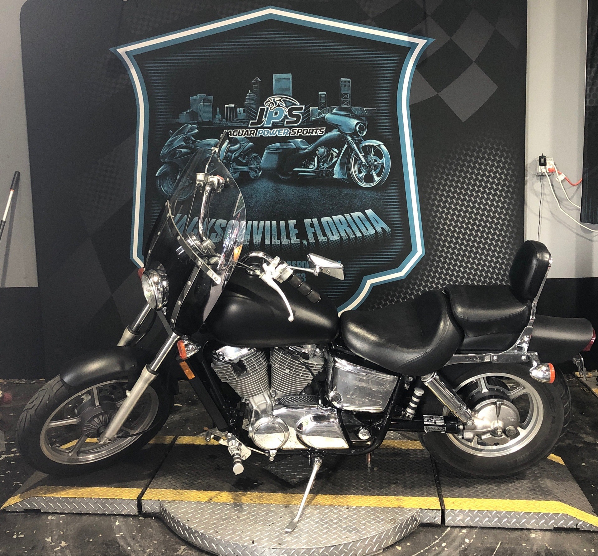 2004 Honda Shadow Spirit in Jacksonville, Florida - Photo 6