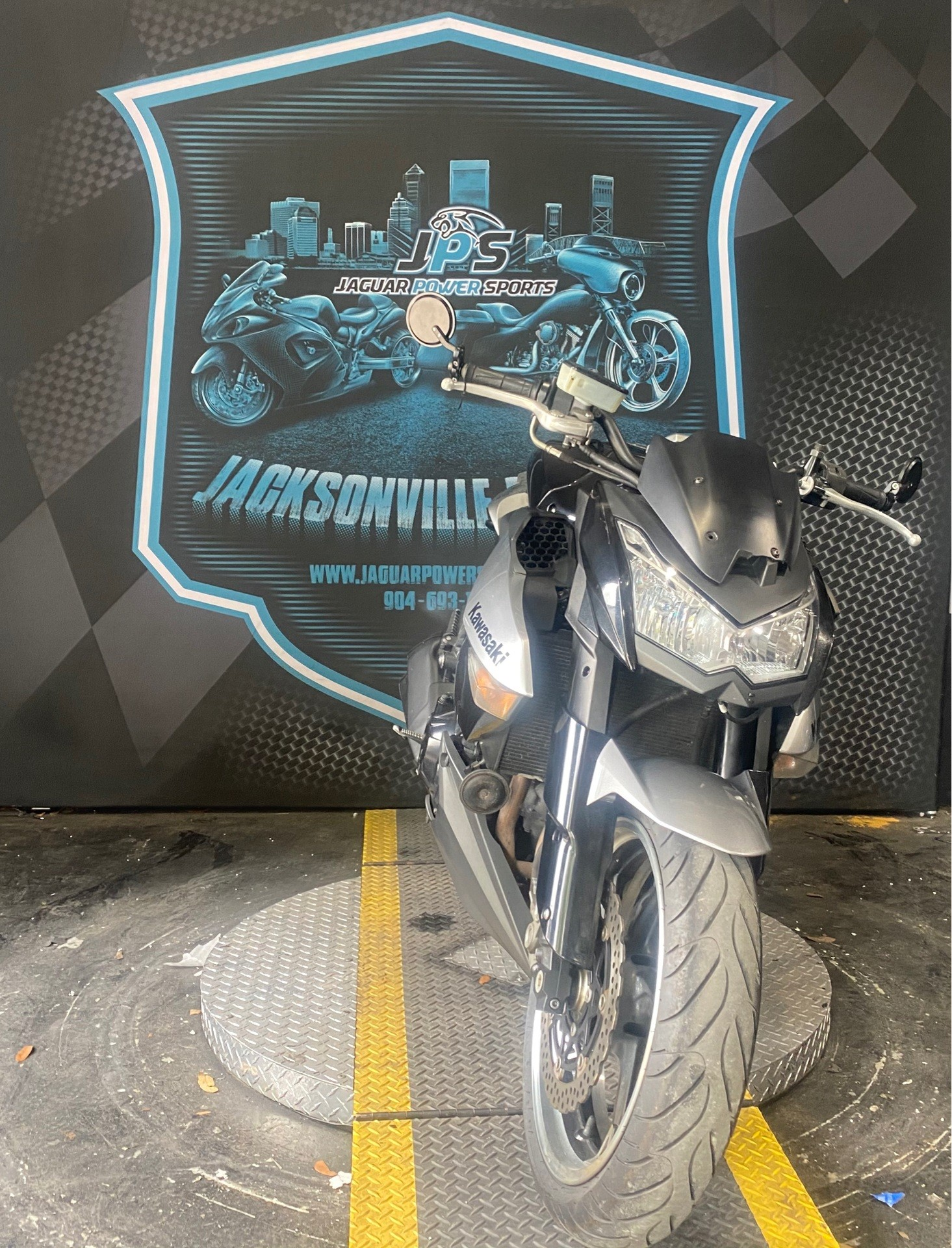 2010 Kawasaki Z1000 in Jacksonville, Florida - Photo 4