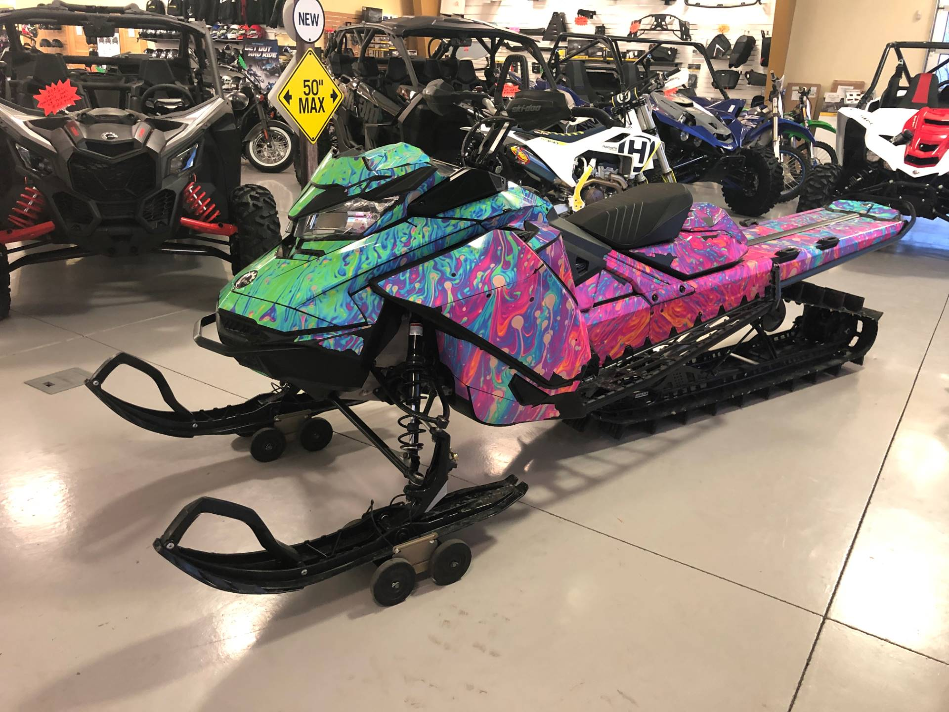 2019 Ski-Doo Summit X 175 850 E-TEC ES PowderMax Light 3.0 w/ FlexEdge HA in Moses Lake, Washington - Photo 2