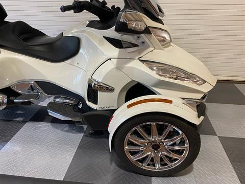 2017 Can-Am Spyder RT Limited in Massapequa, New York - Photo 12