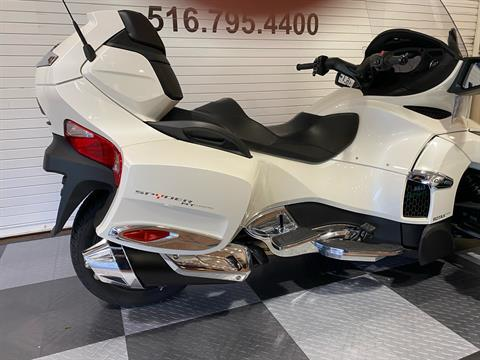 2017 Can-Am Spyder RT Limited in Massapequa, New York - Photo 16
