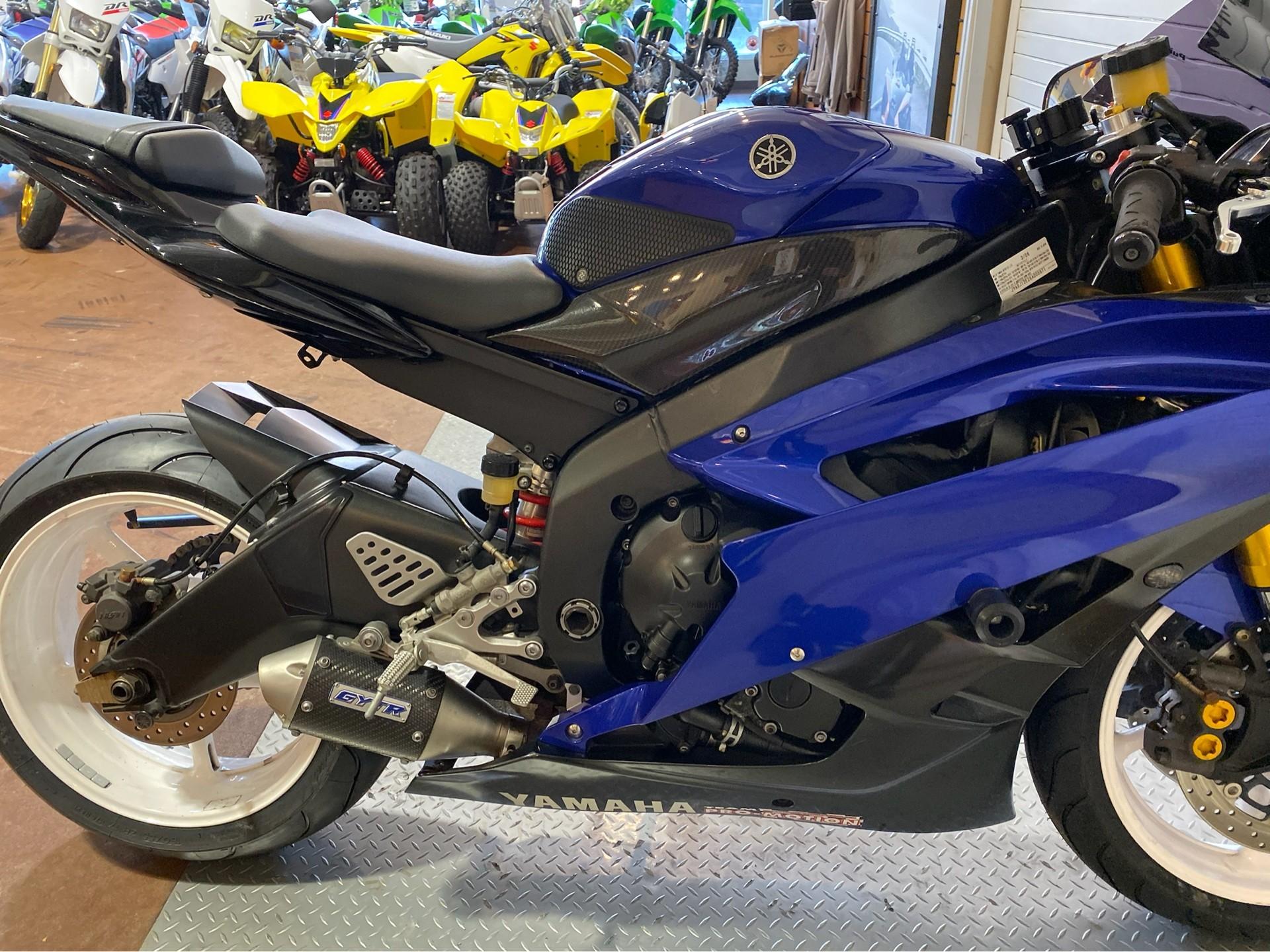2006 Yamaha YZF-R6 11